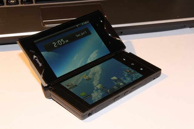 Kyocera Echo: Android-Smartphone mit 2 Displays im Hands-On