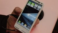 Motorola MOTOLUXE: Günstiges Lifestyle-Smartphone im Hands-On [MWC 2012]