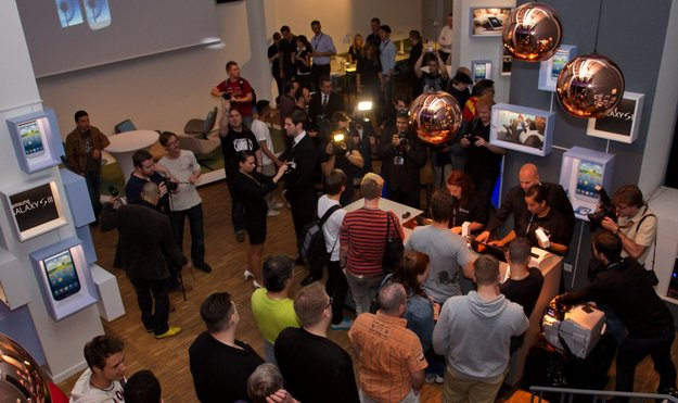 Samsung Galaxy S3: Mitternachtslaunch im BASE_camp Berlin [Video]