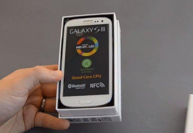 Samsung Galaxy S3: Unboxing, erster Start und Größenvergleich [Video]