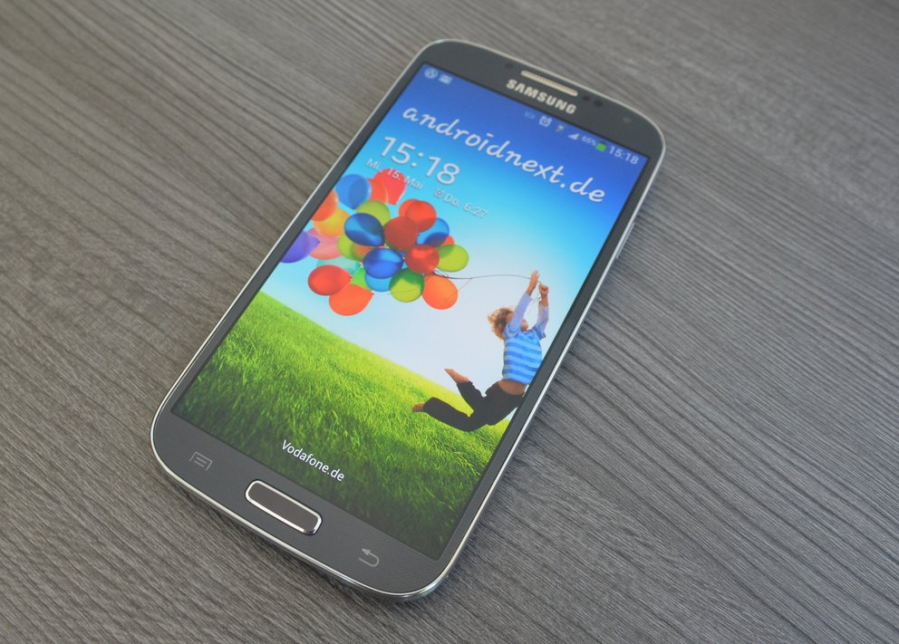 samsung-galaxy-s4-front-display-an
