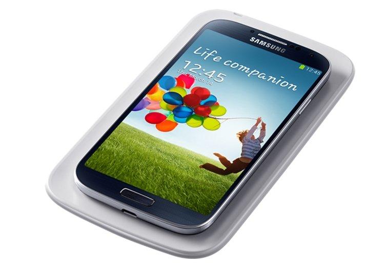 Samsung Galaxy S4: Zubehör wie S View, kabelloses Lade-Cover vorbestellbar