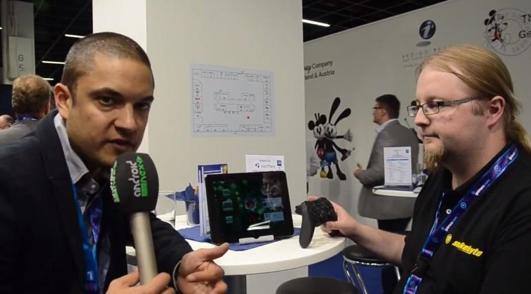 snakebyte eins: Gaming-Tablet mit Bluetooth-Controller im Video [gamescom 2012]
