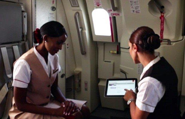 Fluggesellschaft Emirates stattet Personal und Passagiere mit Windows 8 Tablets HP ElitePad 900 aus