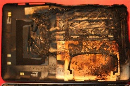 Google Nexus 7 Tablet soll beim nächtlichen Laden geschmolzen sein