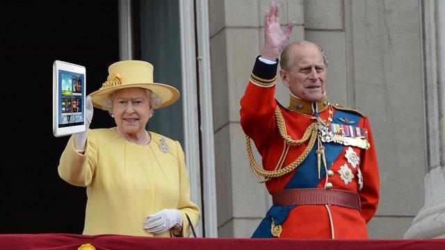Englische Königin erhält Samsung Galaxy Note 10.1