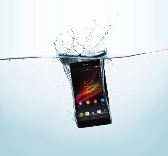 Video: Das High End Smartlet Sony Xperia Z geht baden