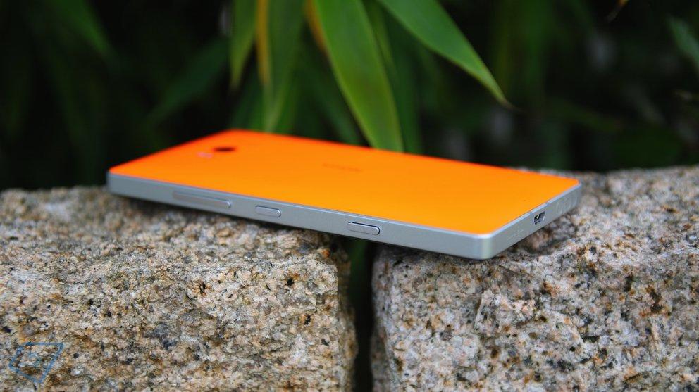 Lumia 930 Back 2