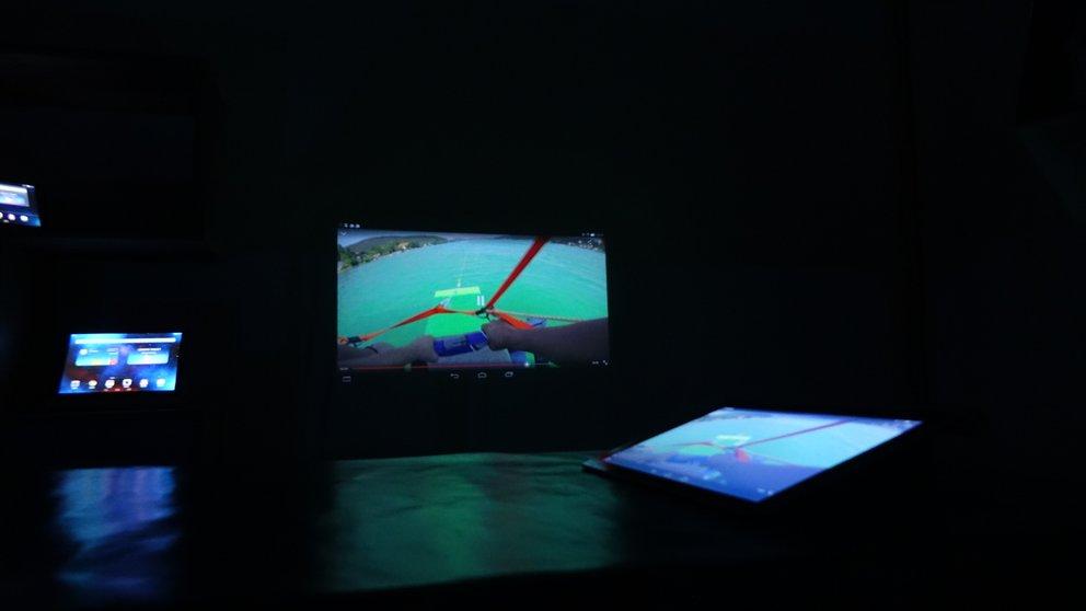 Projector Yoga Tablet 2 Pro