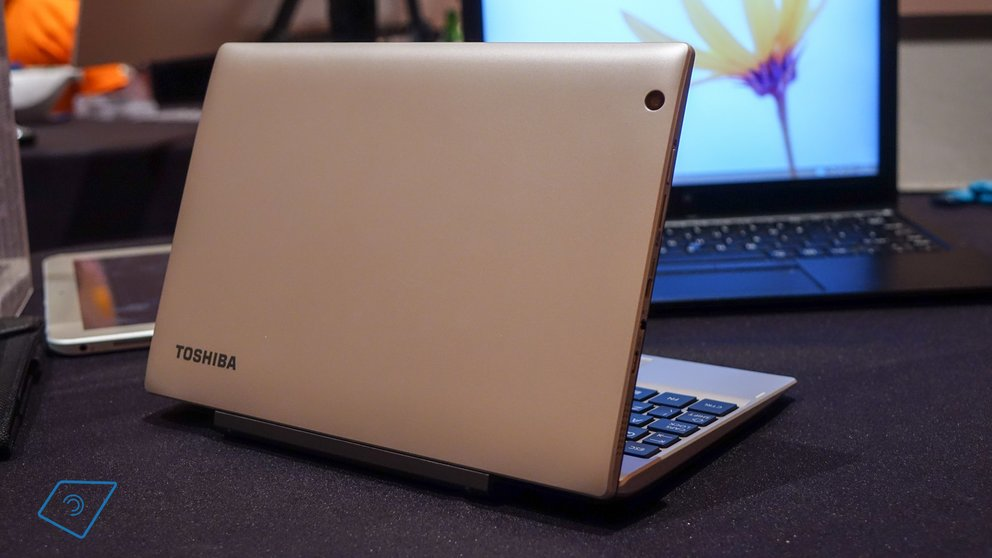 Toshiba Satellite Click Mini-9