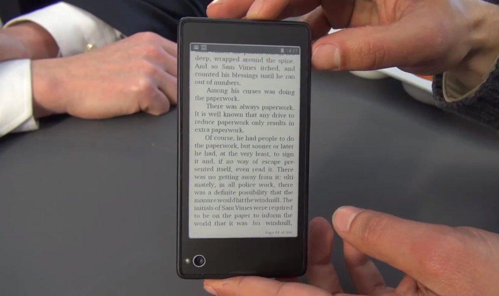 YotaPhone: Hands-On mit dem Dual-Screen-Smartphone [MWC 2013]